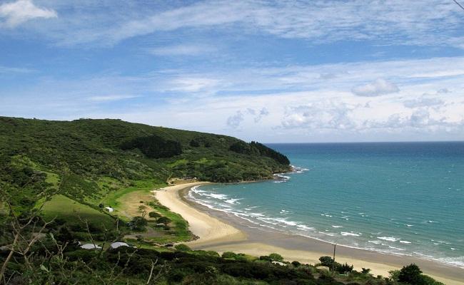 пляжі країни